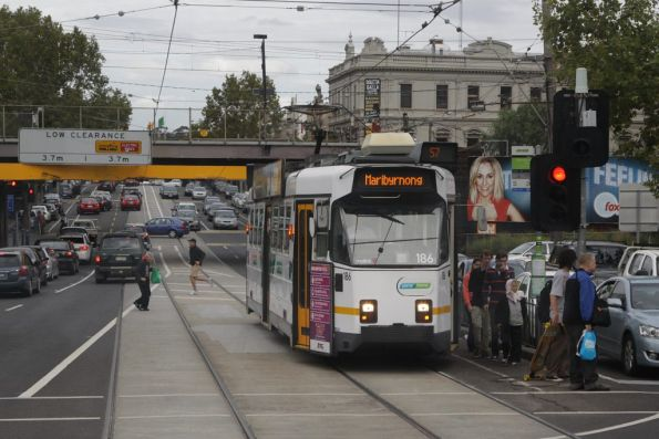 Z3.186 on route 57 picks up passengers at Newmarket station