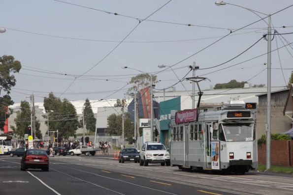 Z3.207 passes Showgrounds Loop in Ascot Vale