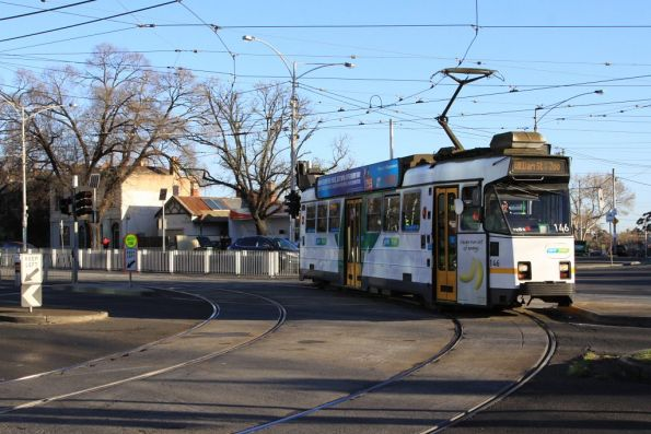 Z3.146 on a route 55 service turns into Royal Park from Flemington Road