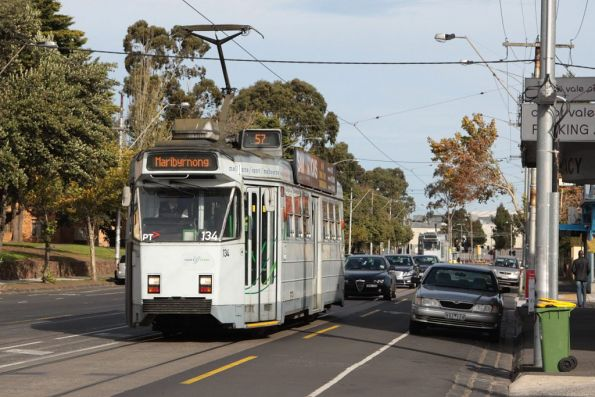 Z3.134 heads north on route 57 along Union Road, Ascot Vale