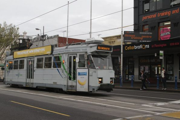 Z3.172 on route 57 stops for passengers in Racecourse Road, Flemington