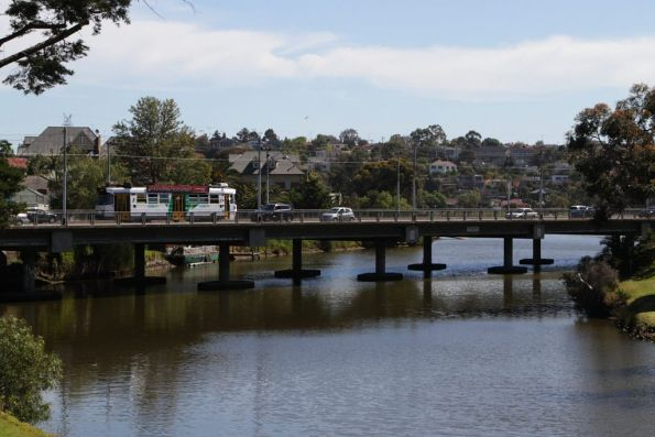 Z3 class tram crosses the Maribyrnong River in Ascot Vale