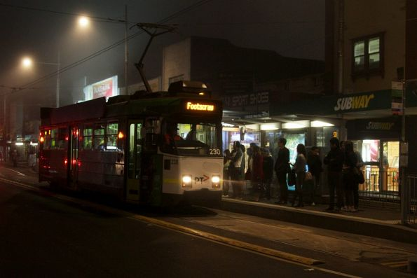 Z3.230 arrives into a foggy Footscray on route 82
