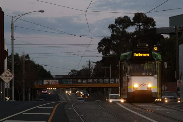 Z3.212 heads north along route 57 on Epsom Road, Ascot Vale