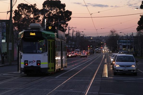 Z3.212 heads into the sunset on Epsom Road, Ascot Vale