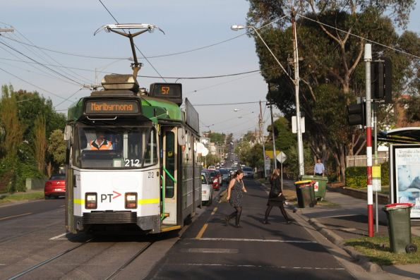 Z3.212 drops off route 57 passengers on Maribyrnong Road, Ascot Vale