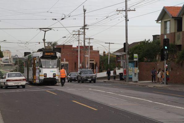 Driver of Z3.121 throws the points at the Daly Street crossover