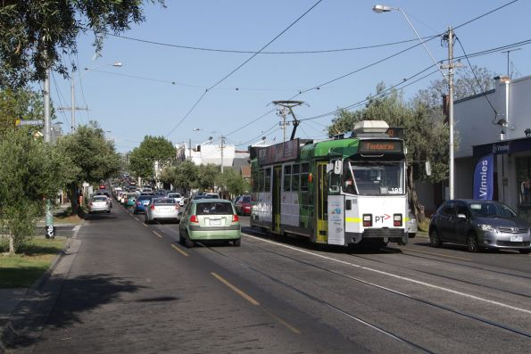 Z3.185 heads west along Maribyrnong Road with a route 82 service