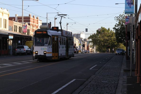 Z3.200 heads south on route 57 along Errol Street, North Melbourne