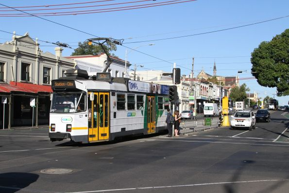Z3.127 heads east on route 57 at Victoria and Peel Streets