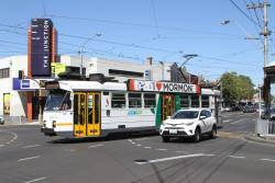 Z3.129 heads north on route 82 at Moonee Ponds Junction