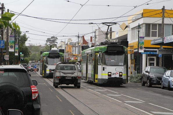 Z3.122 heads south on route 57 along Union Road, Ascot Vale