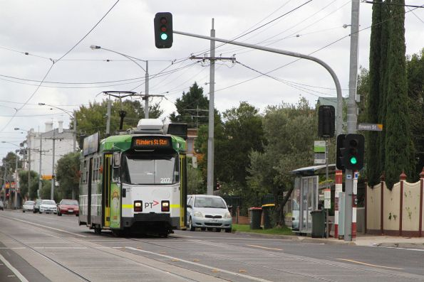 Z3.207 heads east on route 57 along Maribyrnong Road, Ascot Vale
