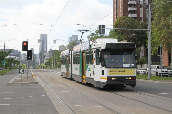 B2.2010 heads west on route 58 at Flemington Road and Abbotsford Street