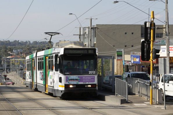 Stopped for passengers at Grimshaw Street in Bundoora, B2.2012 forms a citybound route 86 service