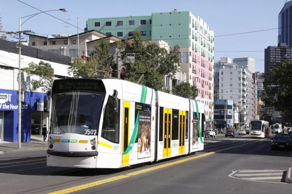 D1.3507 heads north on Swanston Street at Queensberry Street