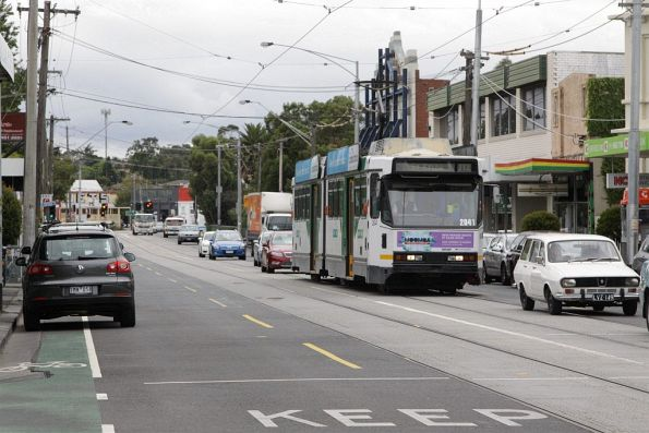 B2.2041 on an inbound route 112 service trundles along St Georges Road in Fitzroy North