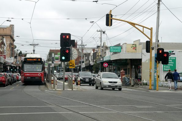 B2.2119 heads north on route 86 at High and Westgarth Streets