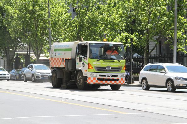 Yarra Trams track cleaner heads south at William and Little Lonsdale Street