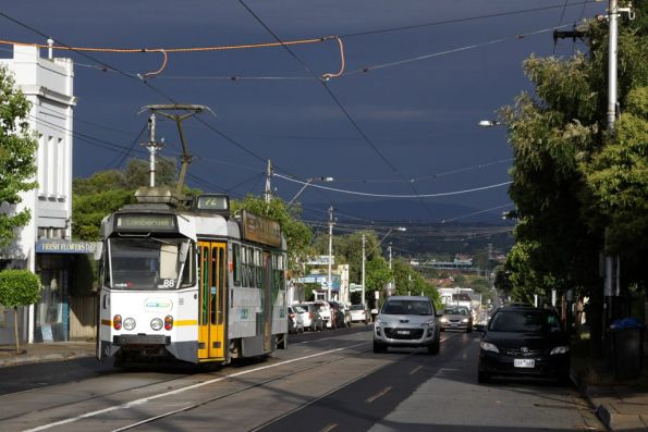 Z1.88 heads towards Camberwell on a route 72 service on Malvern Road, near Glenferrie Road