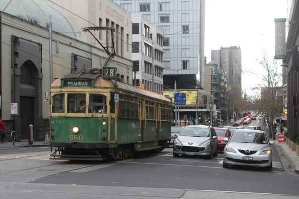 SW6.960 heads south on route 78 at Chapel Street and Toorak Road