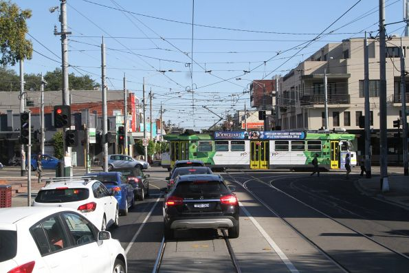 Z3.173 heads east on route 3a at Balaclava and Hawthorn Roads