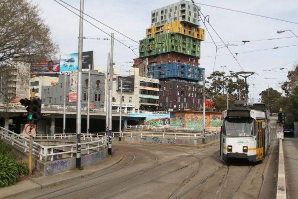 Z3.214 heads north on route 3 at St Kilda Junction