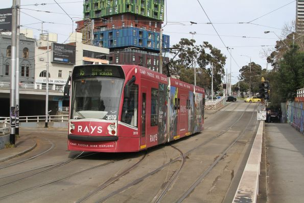 D1.3510 adverting 'Rays Outdoors' heads south on route 16 at St Kilda Junction