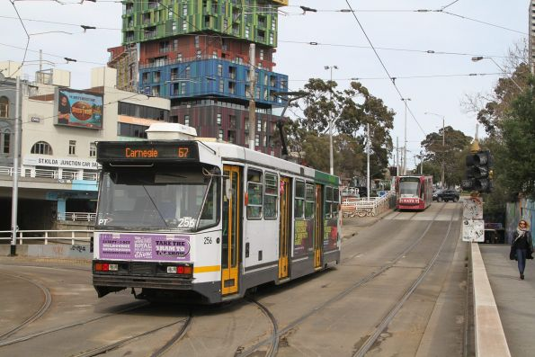 A1.256 heads south on route 67 at St Kilda Junction