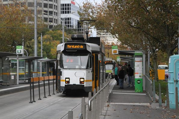 Z3.141 heads north on route 6 at St Kilda Road and Toorak Road