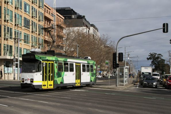 Z3.151 heads north on route 16 at St Kilda Junction