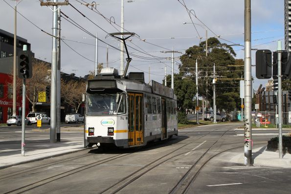 Z3.194 heads south on route 67 at St Kilda Junction