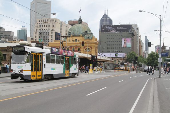 Z1.88 northbound on route 6 along Princes Bridge