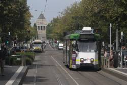 Z3.139 heads north on St Kilda Road at Southbank Boulevard
