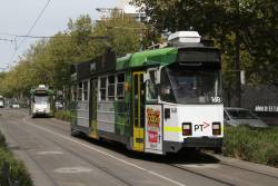 Z3.168 heads north on St Kilda Road at Southbank Boulevard