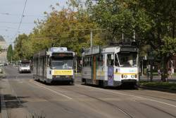 Z1.95 heads north on route 5 along St Kilda Road at Southbank Boulevard