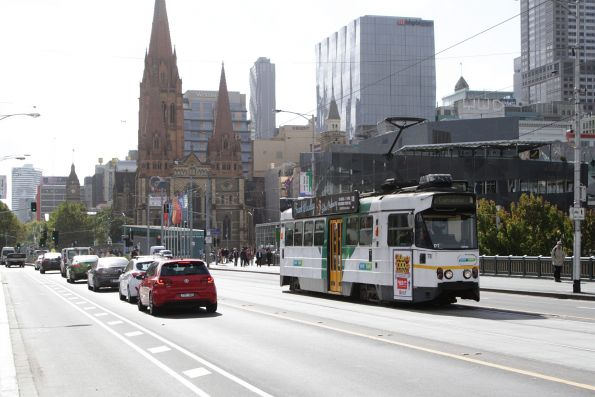Z1.78 heads south on route 67 across Princes Bridge