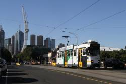 Z3.226 heads south on route 1 at Sturt and Grant Street