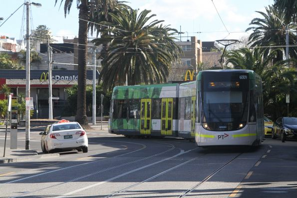 E.6009 approaches the route 96 terminus on Acland Street