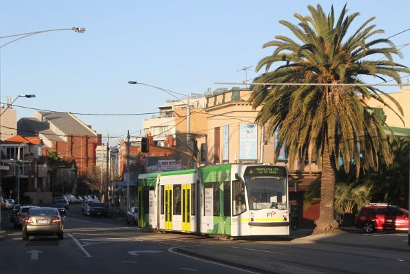 D1.3509 westbound on route 16 at The Esplanade and Acland Street