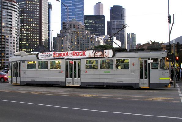 Z3.125 on route 6 at Princes Bridge