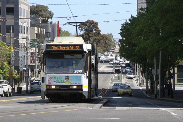 B2.2099 heads east on route 58 at Park Street and St Kilda Road