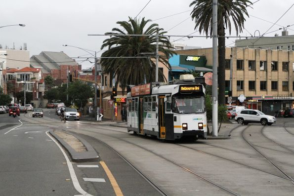Z3.152 westbound on route 16 at The Esplanade and Acland Street