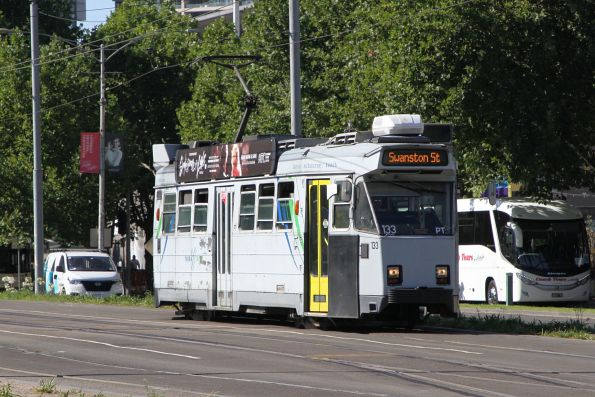 Z3.133 heads north on route 72 past the Arts Centre