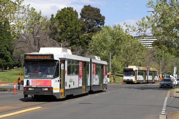 B2.2082 and B2.2132 pass on route 67a at St Kilda Road and Anzac Avenue