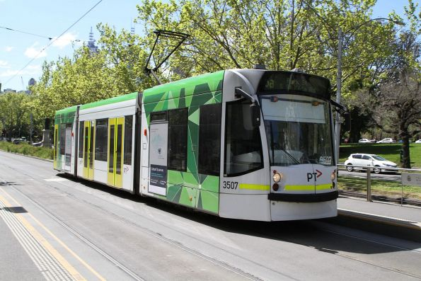D1.3507 heads south on route 6a at St Kilda Road and Grant Street