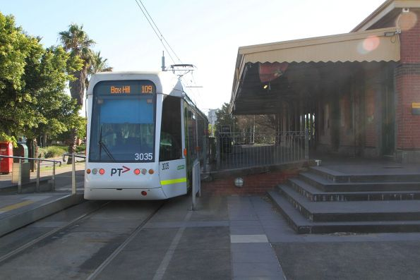 C.3035 on route 109 at Port Melbourne
