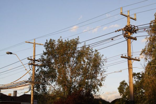 Substation 'St': feeder cables from the north and south terminate on nearby Punt Road