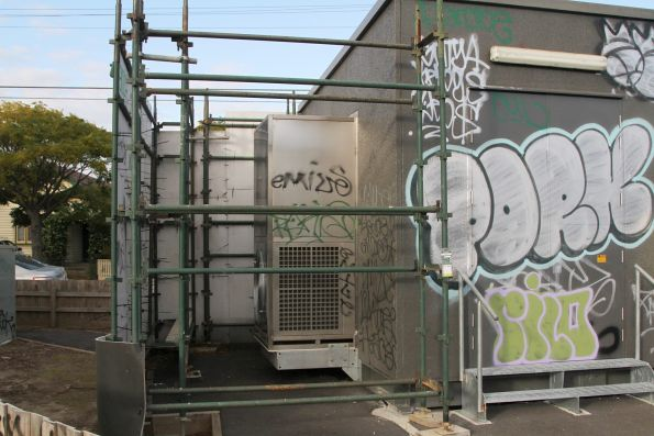 Temporary noise screening around substation 'ZH' in Thornbury
