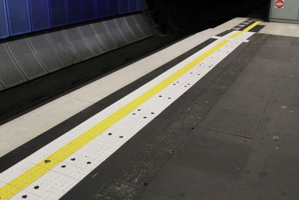 New tactile edge tiles along the Caulfield Loop platform at Parliament station